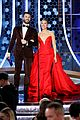 chris evans scarlett johansson golden globes moment 01