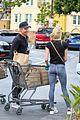 dennis quaid laura savoie stock up on groceries 01