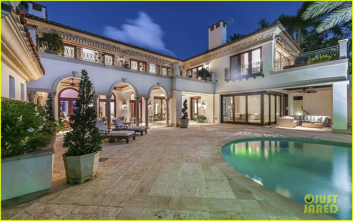 jennifer lopez alex rodriguez inside their home 014475765