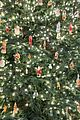 kylie jenner christmas decorations 07