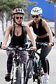 rita ora russell crowe britney theriot bike ride sydney 07