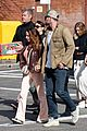 chris hemsworth wife elsa pataky with his parents 39
