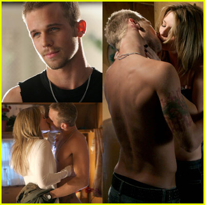 Cam Gigandet Goes Shirtless