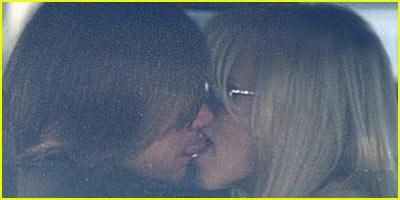 Jim Carrey & Jenny McCarthy French Kiss