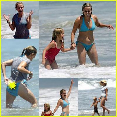 Reese Witherspoon Loses Bikini