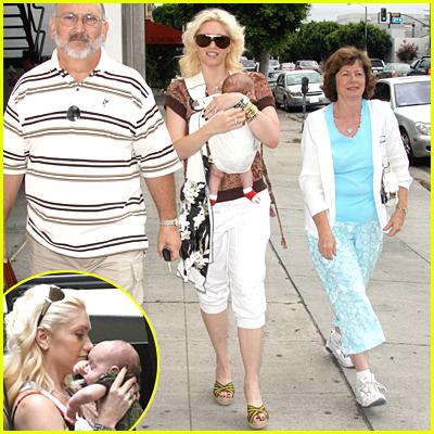Gwen Stefani Parents & Baby Kingston
