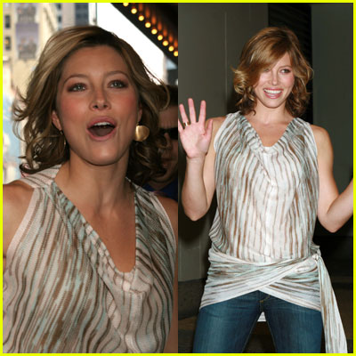Jessica Biel Runs to TRL