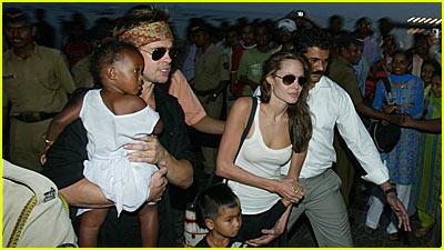 Brad & Angelina's Boat Ride in Mumbai