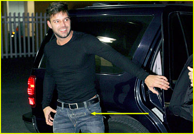 Ricky Martin: CROTCH POCKETS!
