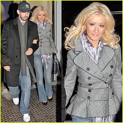 Christina Aguilera is Beautiful Bar None