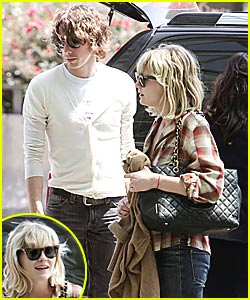 Kirsten Dunst: I'm Still With Johnny Borrell!