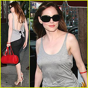 Rose McGowan is a Back-Revealing Babe