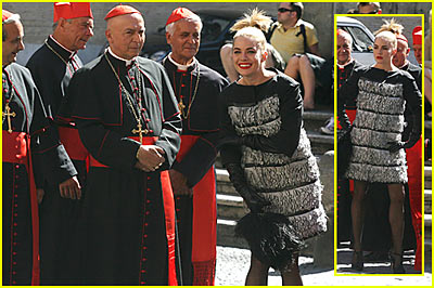 Sienna Miller Cashes in With Cardinals