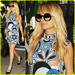 Nicole Richie: Maternity Wear Gone Wild