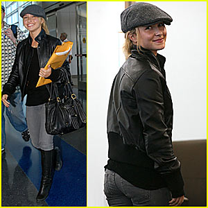 Hayden Panettiere is a Frequent Flyer