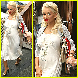Pregnant Christina Aguilera Getting Ready For Baby