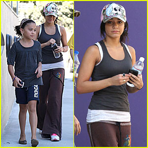 Vanessa Hudgens: Sister Sister Workout!