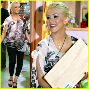 Christina Aguilera: More Baby Store Shopping!