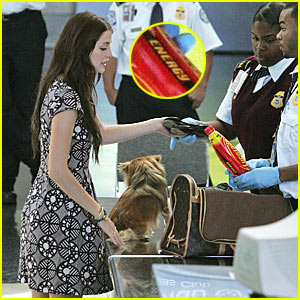 Mischa Barton Gets Detained By Airport Security