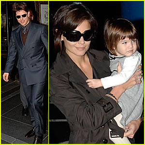 Suri Cruises the Carlyle