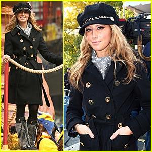 Ashley Tisdale @ Thanksgiving Day Parade