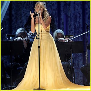 Carrie Underwood's CMAs Performance 2007