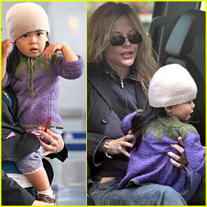 Meg Ryan Flies For Thanksgiving