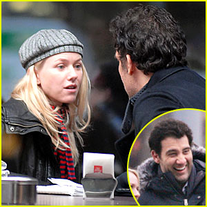 Naomi Watts and Clive Owen Go International