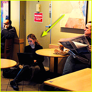 Chelsea Clinton Sits on the Floor of Starbucks