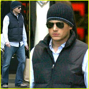 Wentworth Miller's Christmas Shopping Spree