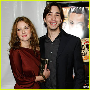 Drew Barrymore & Justin Long: Red Carpet Love