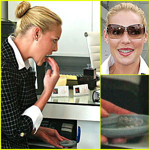 Katherine Heigl is a Retainer Girl
