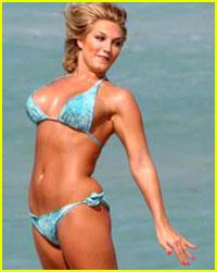 Brooke Hogan's Bikini Bounce