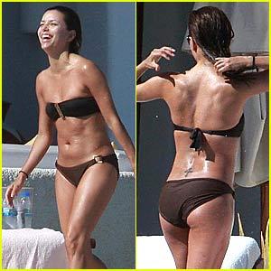Eva Longoria Bares Her Bikini Bod