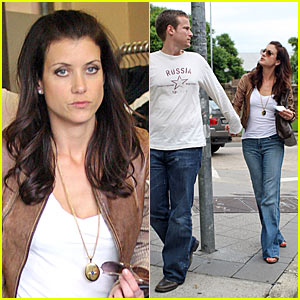 Kate Walsh Shops Her Smiles Away