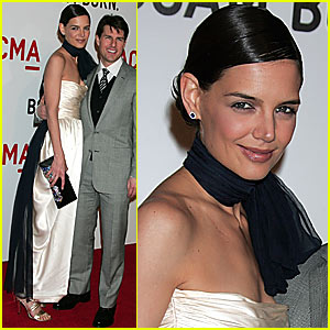 Katie Holmes is Neck-Piece Proud