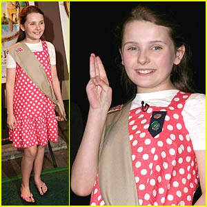 Abigail Breslin Enters Girl Scout Central