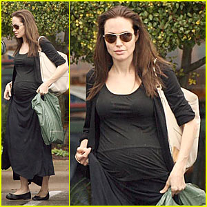 Angelina Jolie Has a Barnes & Noble Baby Bump