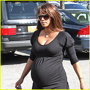 Halle Berry: It's a Girl!