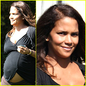 Halle Berry: Baby Bump Peek-a-Boo