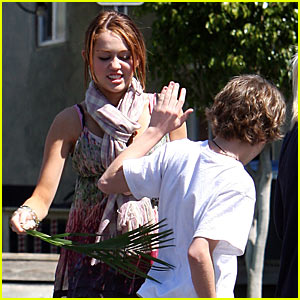 Miley Cyrus is a Palm Sunday Pyscho