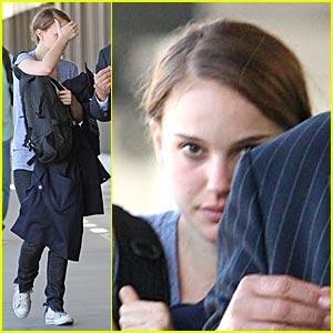 Natalie Portman: Peek-a-Boo, I See You!