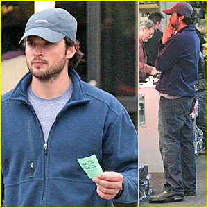 Tom Welling's Camera Shop Stop
