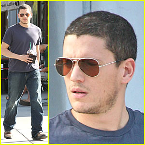 Wentworth Miller is a Starbucks Stallion