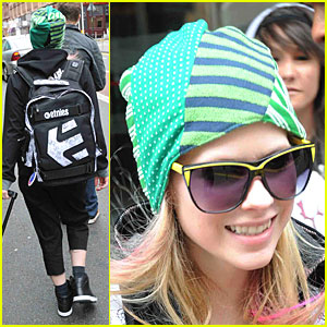 Avril Lavigne is a Scottish Signer