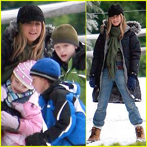Jennifer Aniston is a Mommy!