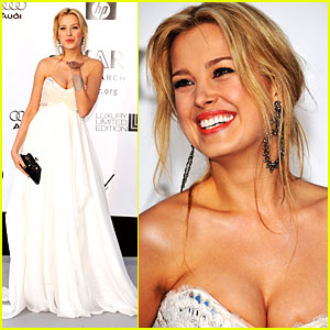 Petra Nemcova Parties with Brad Pitt