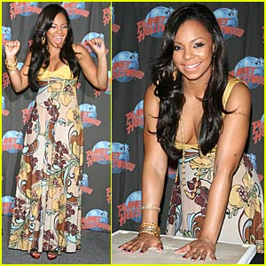 Ashanti Makes a Declaration at Planet Hollywood