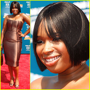Jennifer Hudson Has a Metallic Mood