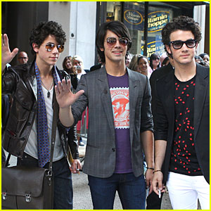The Jonas Brothers are Manhattan Moguls